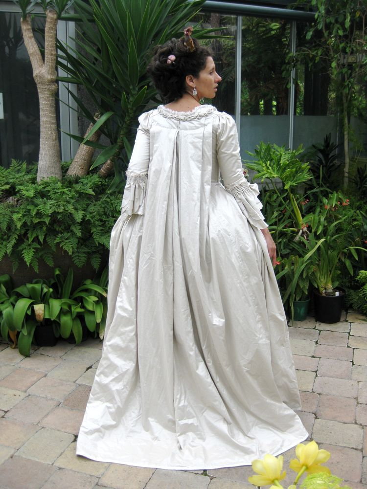14th century style wedding dresses wedding dresses in for 17th century wedding dresses