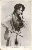 Actress Jean Alwyn