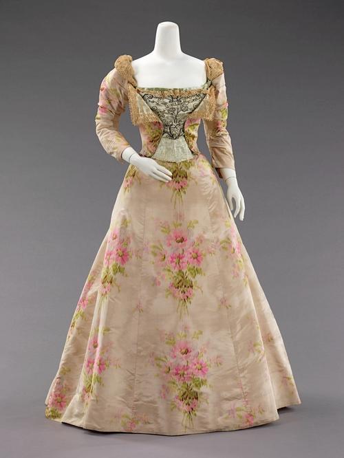 Evening dress, Charles Worth, 1879, Metropolitan Museum of Art