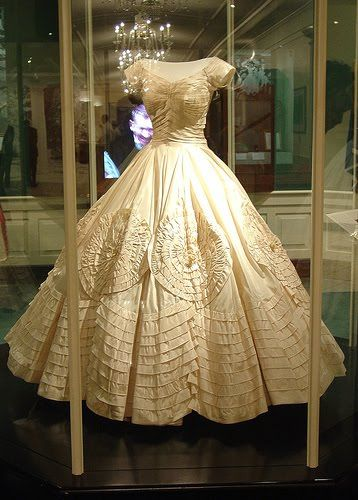 Jackie Kennedy Wedding Dress - image courtesy of http://www.flickr.com