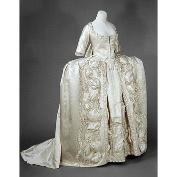 Robe a la francaise british 1775 1780 v a said to have for 18th century wedding dress