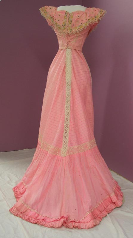 Evening dress worn by Mrs Emily Jane Mildon (nee Whitley), 1902-1904, Collection of Te Manawa Arts and Cultural Centre