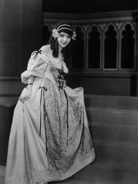 Madge Bellamy as Lorna Doone in 1922