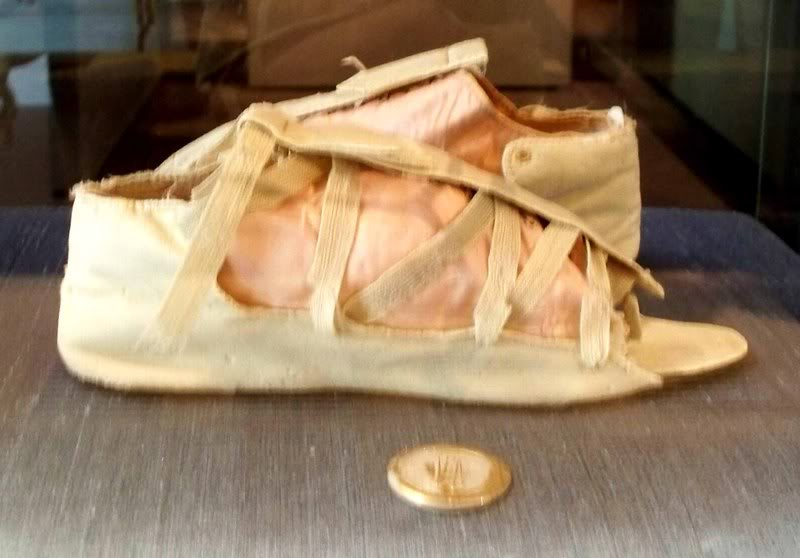 Silk and leather sandals, 1795-1805, Bata Shoe Museum