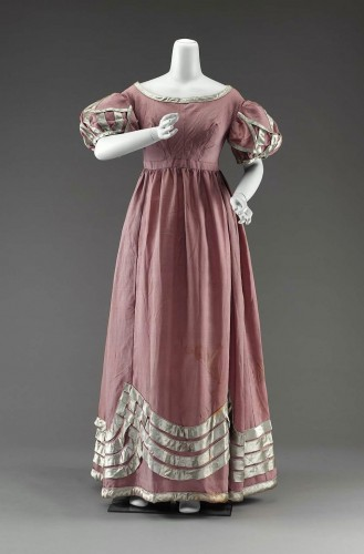 Evening dress, wool & silk, 1815-20, America, MFA Boston 46.1208