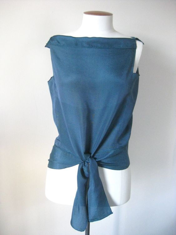 The Deco Echo blouse