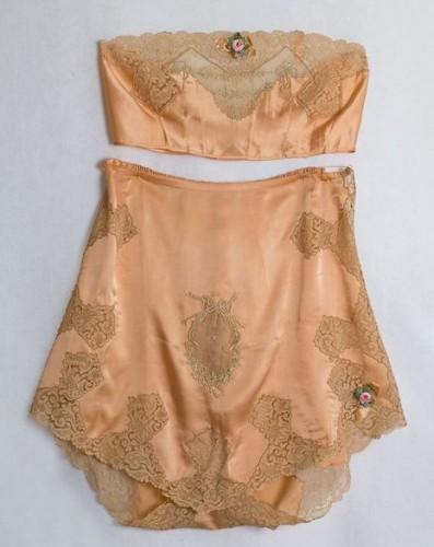 Tap pants & Brassiere by Boué Soeurs, French, 1920's via Vintage Textiles