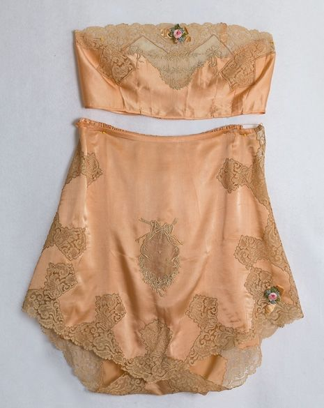 Tap pants & Brassiere by Boué Soeurs, French, 1920's via Vintage Textiles