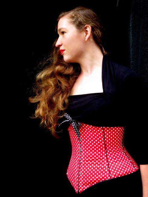 Underbust corset thedreamstress.com