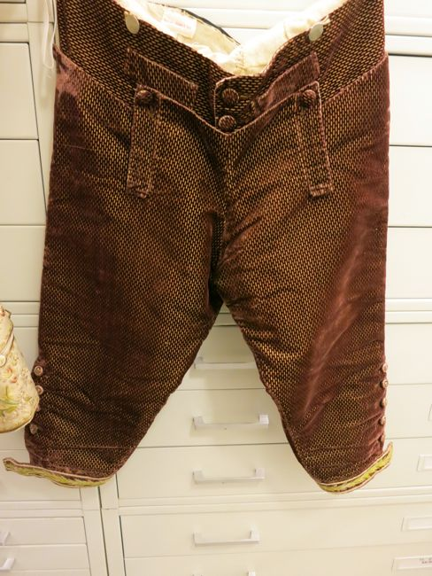 The 18th Century Man S Suit At The Honolulu Museum Of Art The
