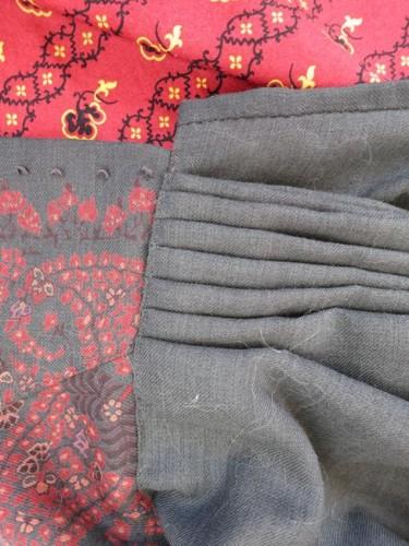 The skirt pleating