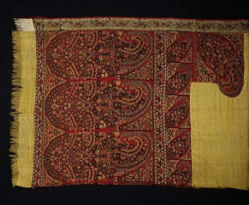 """Shawl, Kashmir, early 19th century, woven cashmere, 48"""" x 101"""", V&A"""