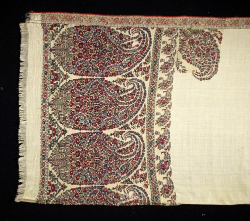 Shawl, Kashmir, early 19th century, Woven cashmere, V&A