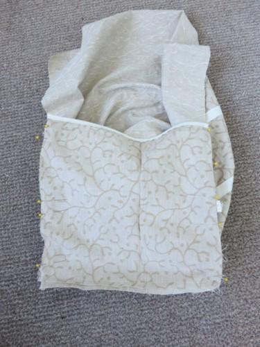 The shorter panier inside of the open-bag style