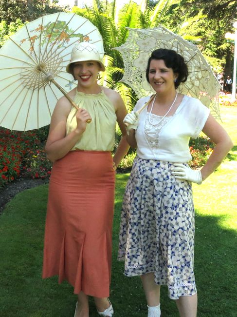 Modern 1930s outfit