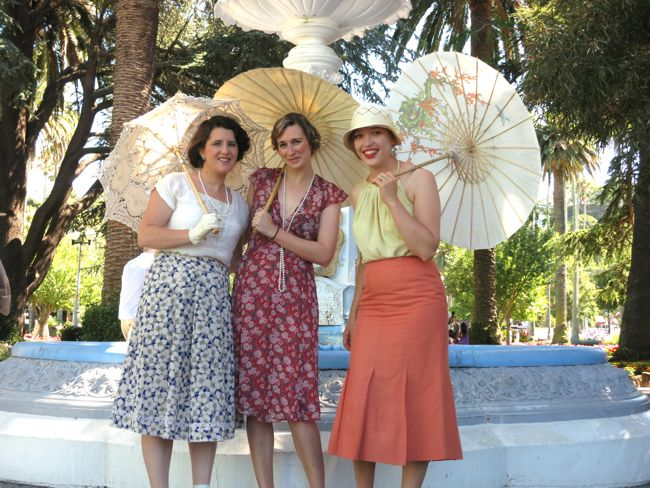 Modern 1930s outfits