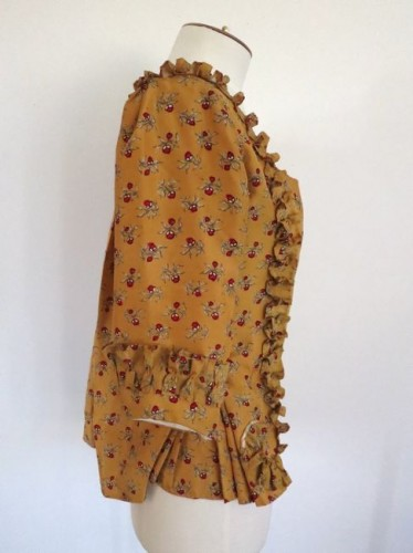 Partly-sewed sleeve ruffle