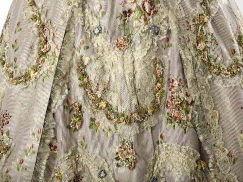 Robe a la Francaise, 1762-1767, silk taffeta with ribbons and lace, Museum of London