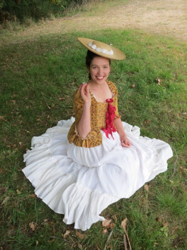 1780s pet-en-l'aire and pleated petticoat