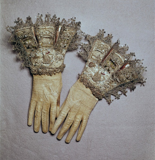 Silver embroidered and lace trimmed gloves