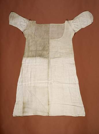 Chemise presumed to have been worn by Marie Antoinette during her imprisonment, 101 x 83 x 67 Musée Carnavalet, Paris, France