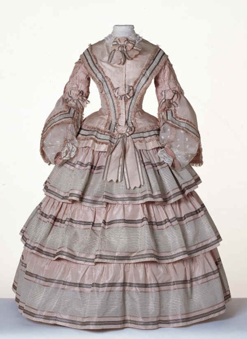 Day dress, 1855, Centraal Museum