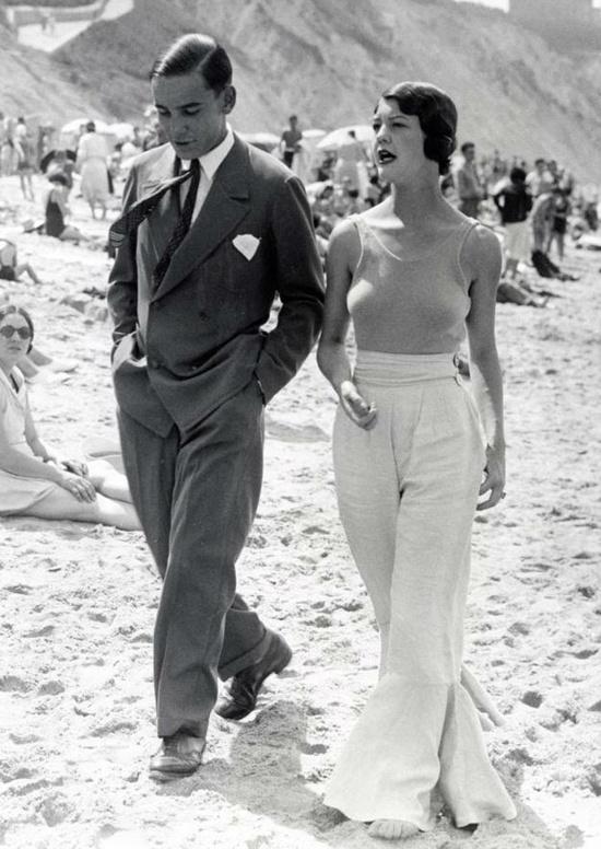 Dutch couple on the beach, 1930s