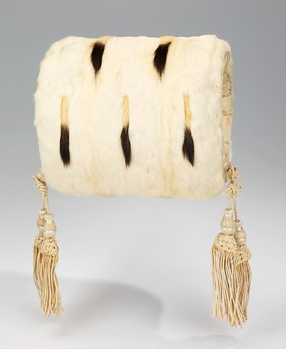 Evening muff, fourth quarter 19th century, American, fur, silk, Metropolitan Museum of Art