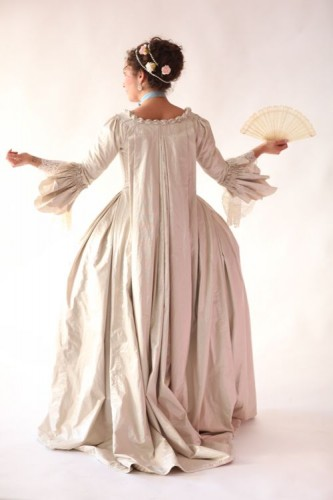 18th century Dreamstress photoshoot by Mandi Lynn at A La Mode Photography