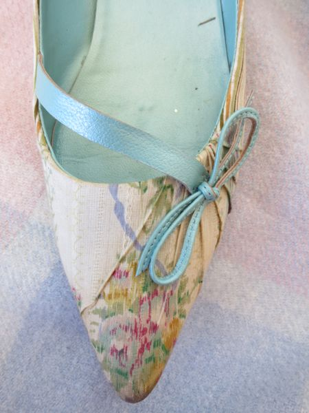 1790s inspired shoes - how they began thedreamstress.com