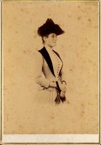 Photo of a woman, ca 1883-90