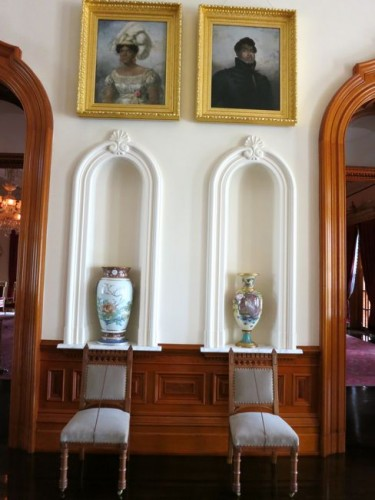 Precious vases given by the Chinese Ambassador, and portraits of former royalty