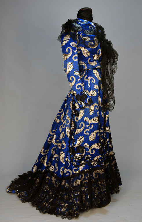 Afternoon dress of printed silk satin, ca 1902, via Whitakers Auctions