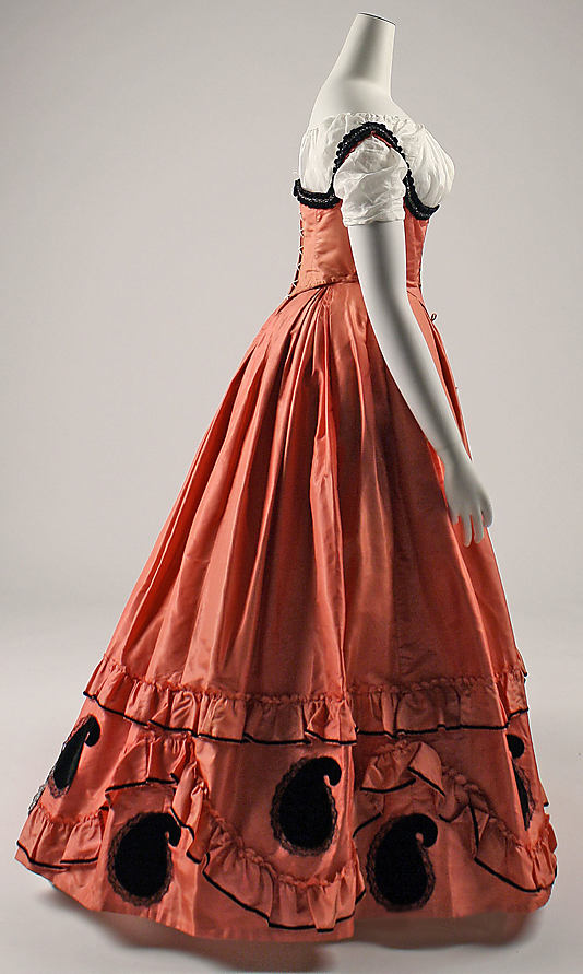 Dress, 1860–63, American, Metropolitan Museum of Art C.I.42.76.1ab