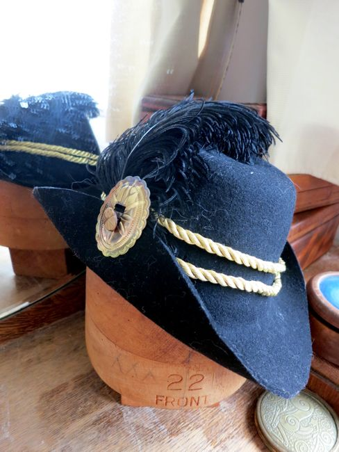Polly Oliver hat remake thedreamstress.com