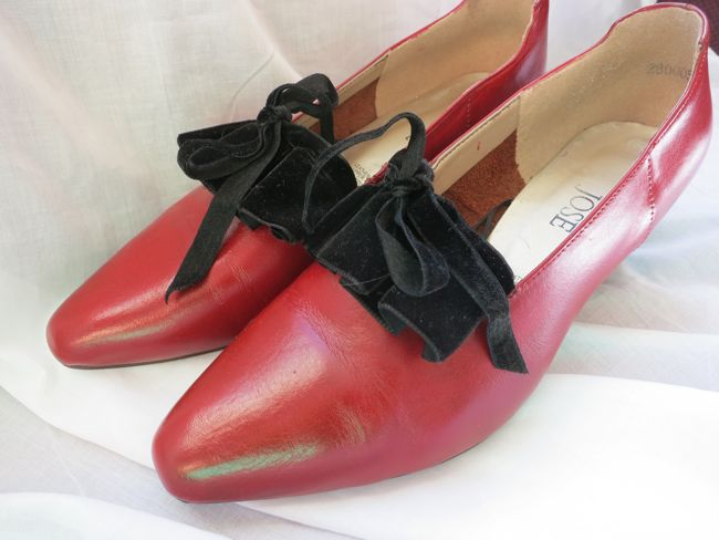 1780s shoe remake thedreamstress.com