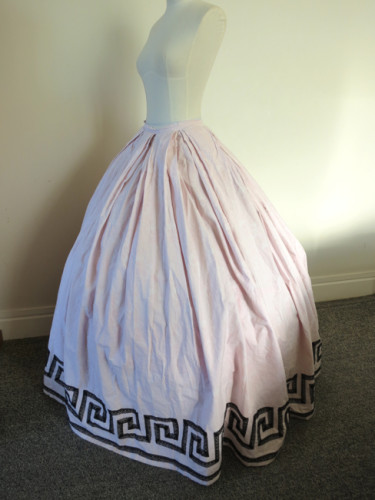 ca. 1860 elliptical hoopskirt thedreamstress.com
