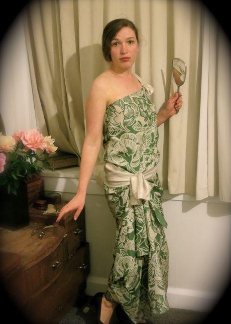 1923-1924 Hula Goddess dress thedreamstress.com