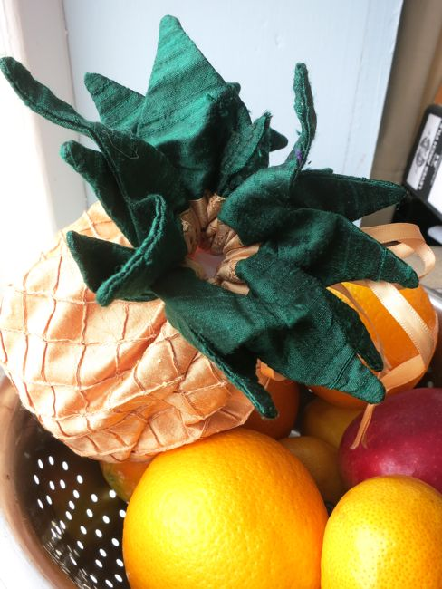 Pineapple reticule thedreamstress.com