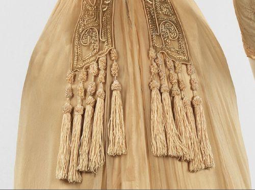 Dress, Mrs. Dunstan (American), 1909–11, silk, metal, Metropolitan Museum of Art, 2009.300.475