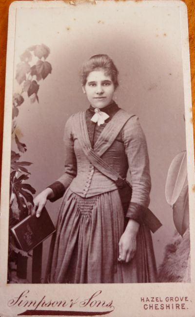 Unidentified woman, late 1880s, by Simpson & Sons, Cheshire, thedreamstress.com