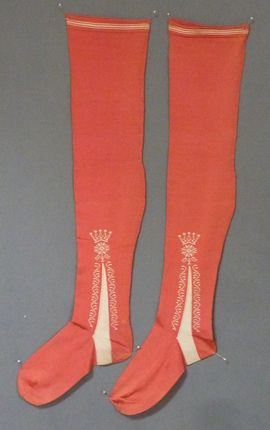 Men's coral silk stockings, 1725-1750 meg-andrews.com