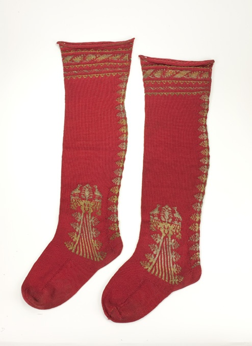 Stockings, possibly Spanish,  17th Century, Collection of the Bata Shoe Museum, P96.0101