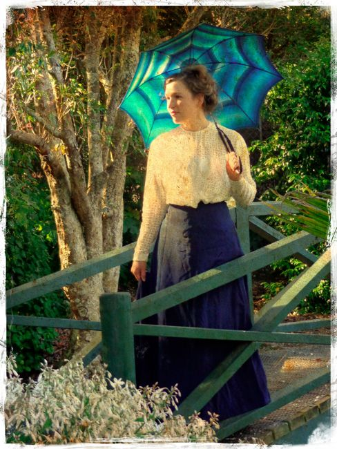 Time Lady 1900s shirtwaist thedreamstress.com