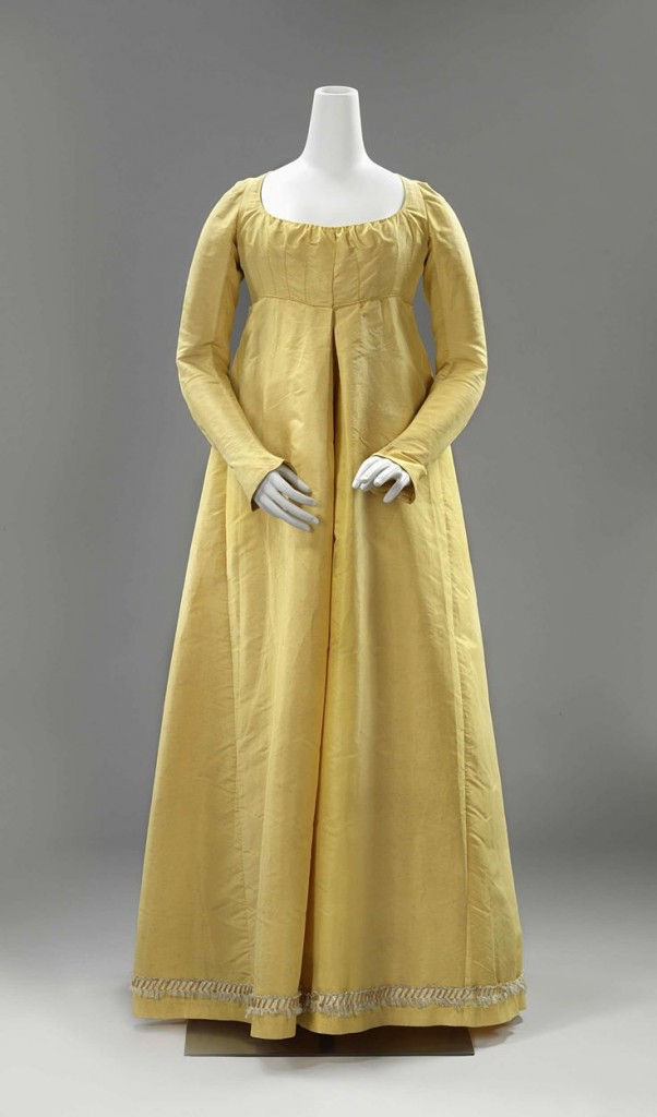 Gown, 1790-1810, Dutch.  silk & linen, Rijksmuseum