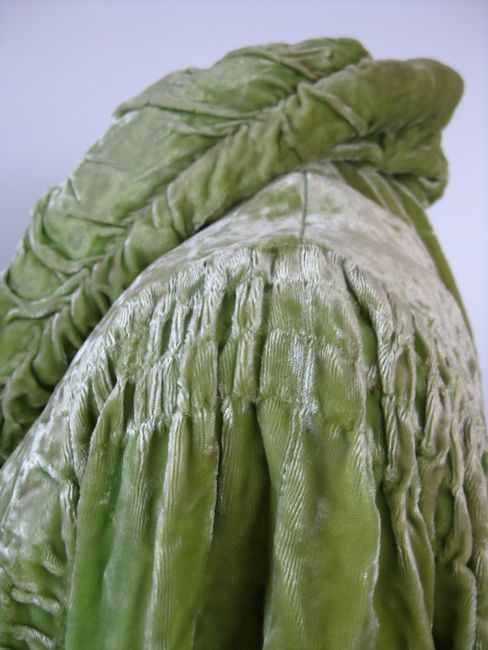 1930s evening jacket of rayon velvet thedreamstress.com