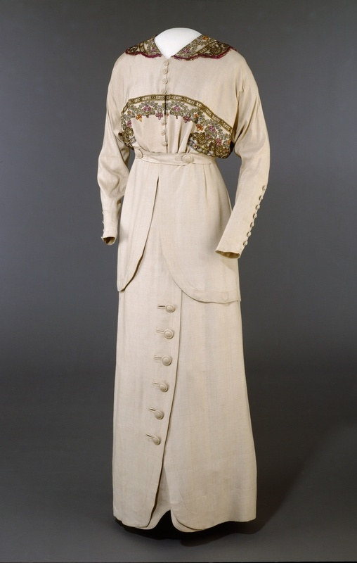 Suit, Josefine Hammarbæck (Oslo, Norway)- 1913, silk and cotton, Digitalt Museum