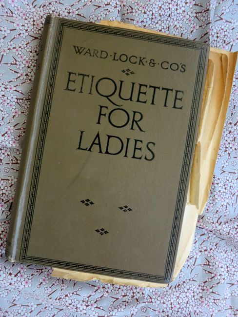 1920s Etiquette for Ladies thedreamstress.com