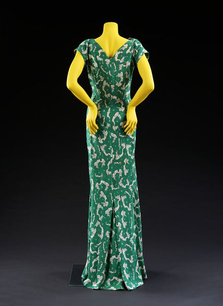 Evening dress, 1939, Charles James (dress)  Jean Cocteau (textile), printed silk, Victoria & Albert Museum, T.274-1974