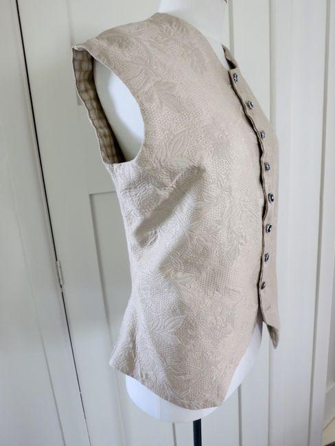 18th century waistcoat thedreamstress.com